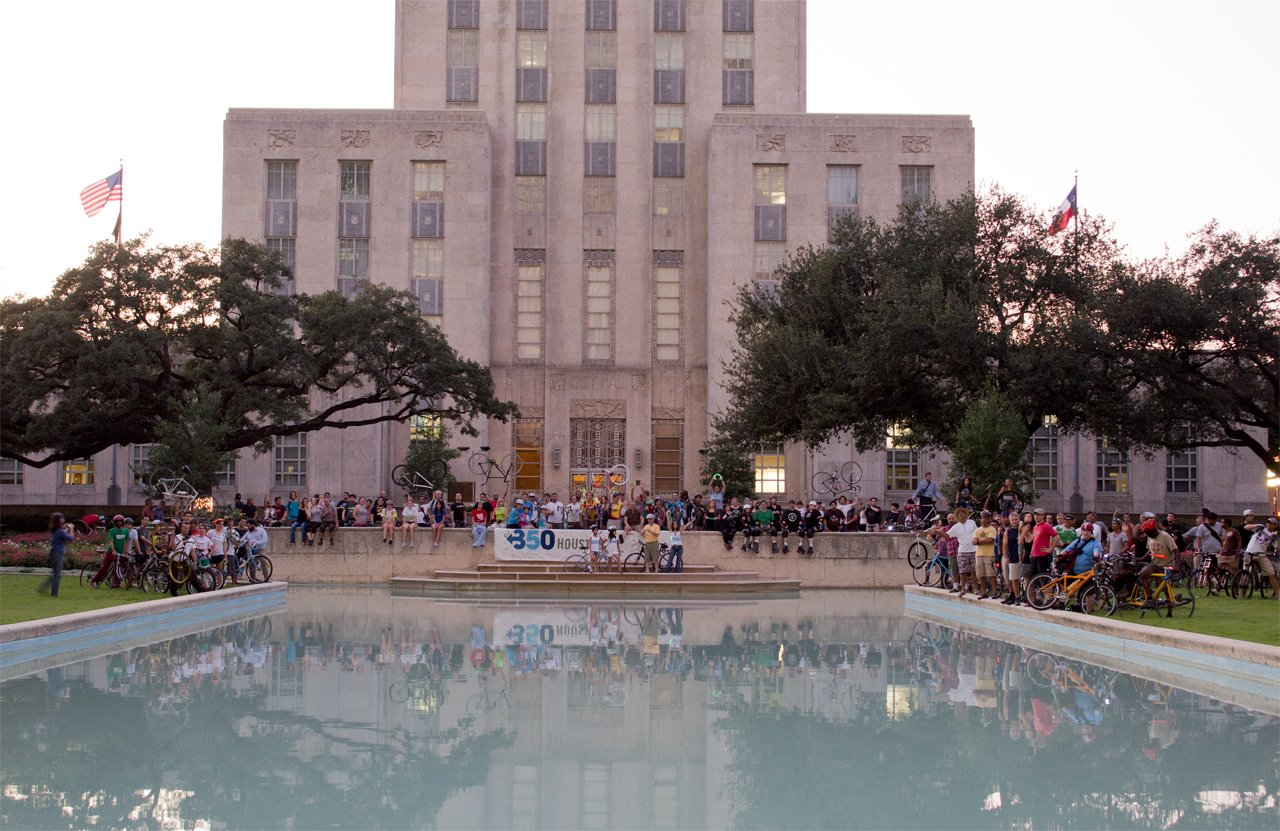 350.org Houston Bike to Party group in front of City Hall